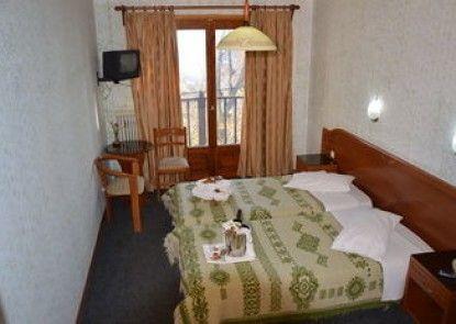 Hani Zisi Hotel