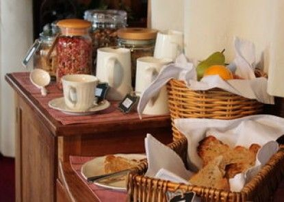 Hanlon House Bed and Breakfast