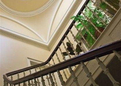 Hanover House Hotel