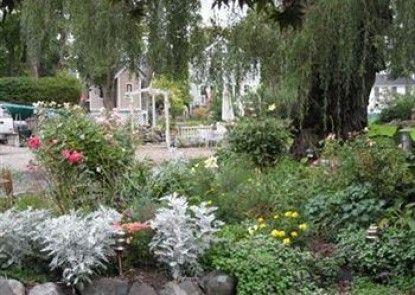 Harbor Gardens Inn