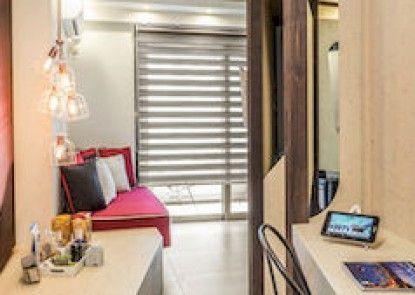 Harbor Suites