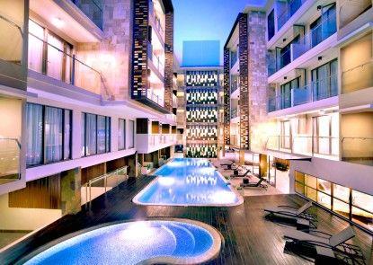 Harper Kuta Hotel Kolam Renang