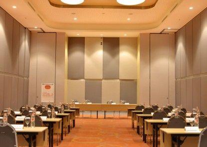 HARRIS Hotel & Conventions Bekasi Ruangan Meeting