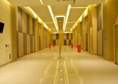 HARRIS Hotel & Conventions Bekasi Interior