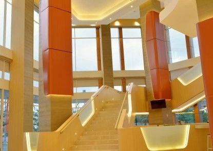 HARRIS Hotel & Conventions Bekasi Lobby