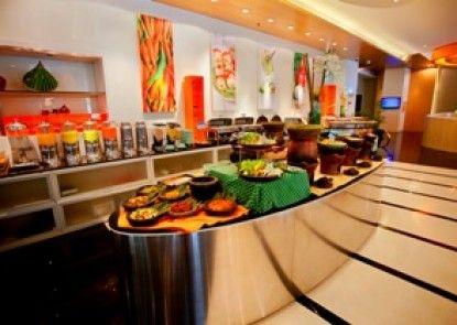 HARRIS Hotel & Conventions Kelapa Gading Makan Prasmanan