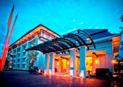 HARRIS Hotel & Conventions Malang Pintu Masuk