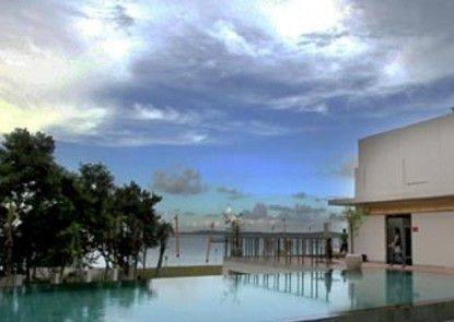 HARRIS Hotel Batam Center Kolam Renang Utama