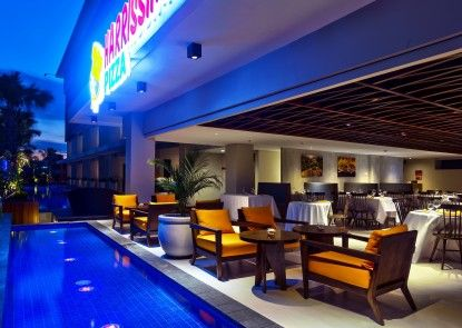 HARRIS Hotel Seminyak Rumah Makan