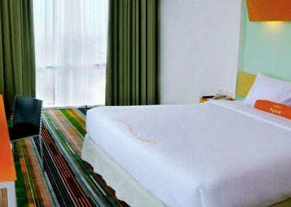 HARRIS Hotel Tebet Kamar Tamu