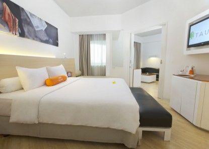 HARRIS Hotel Tebet Ruangan Suite