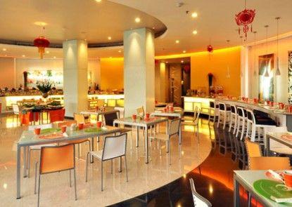 HARRIS Hotel Tebet Interior