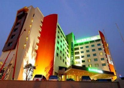 HARRIS Hotel Tebet Eksterior