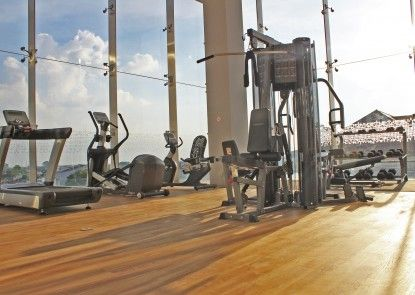 Harris Hotel & Conventions Solo Ruangan Fitness