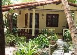 Pesan Kamar Bungalow Superior di Harry\'s Bungalows & Restaurant