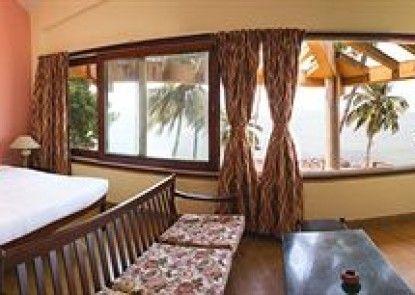 Hawaii - The Sea Side Village Retreat