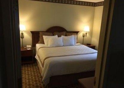 Hawthorn Suites By Wyndham Franklin/Milford Area
