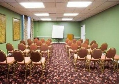 Hawthorn Suites by Wyndham Orlando Convention Center