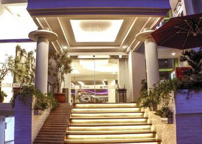 Heef Hotel Pasar Baru Pintu Masuk