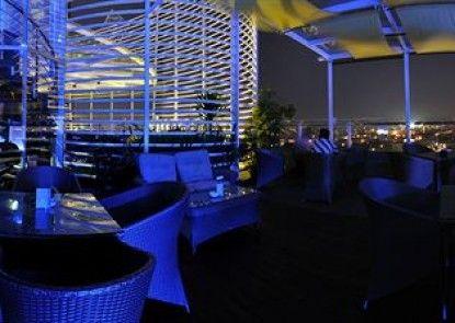 Hermes Palace Hotel Medan - Managed by Bencoolen