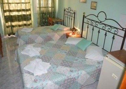 Hermoupolis Rooms