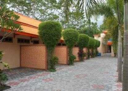 Hotel Cendrawasih Eksterior
