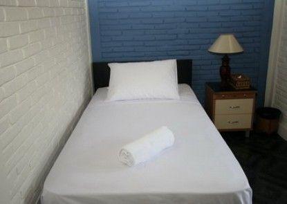 Hidden Oasis Bed & Breakfast Teras