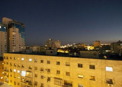 Hillel 11 Hotel