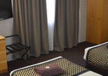 Hilltops Retreat Motor Inn