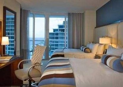 Hilton Fort Lauderdale Beach Resort Teras