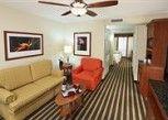 Pesan Kamar Suite Junior, 1 Tempat Tidur King Dengan Tempat Tidur Sofa, Non-smoking di Hilton Garden Inn Fort Lauderdale Airport-Cruise Port