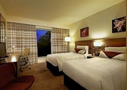 Hilton Garden Inn Luton North, United Kingdom Teras