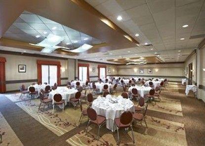 Hilton Whistler Resort & Spa Teras