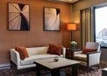 Pesan Kamar Suite Deluks, 1 Tempat Tidur King di Hilton Petaling Jaya