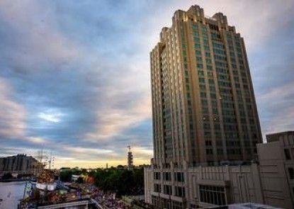 Hilton Philadelphia at Penn\'s Landing