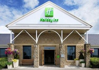 Holiday Inn Brighouse Teras