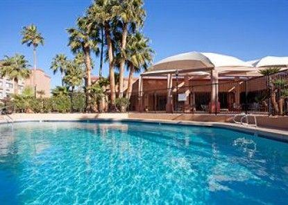 Holiday Inn Casa Grande Teras