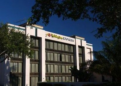 Holiday Inn Express Boca Raton-West Teras