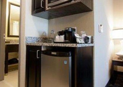 Holiday Inn Express Hotel & Suites Charleston Arpt-Conv Ctr Teras