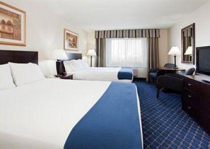 Holiday Inn Express Hotel & Suites Torrington Teras
