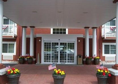 Holiday Inn Express & Suites Petoskey Teras