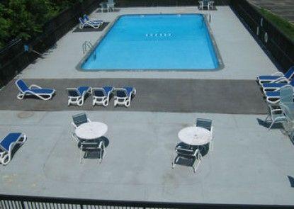 Holiday Inn Danbury-Bethel at Interstate 84