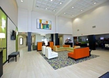Holiday Inn Express and Suites Duluth- Mall Area