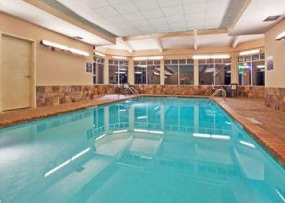 Holiday Inn Express Hotel & Suites Bremen