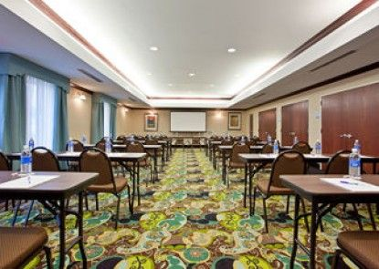 Holiday Inn Express Hotel & Suites Dayton South Franklin