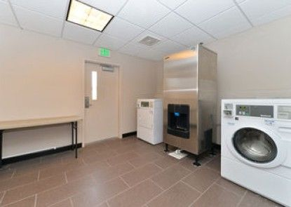 Holiday Inn Express Hotel & Suites Indio
