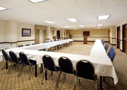 Holiday Inn Express Hotel & Suites Lexington-Hwy 378