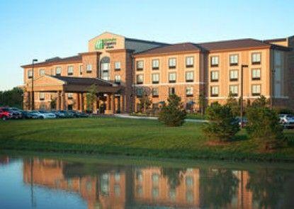 Holiday Inn Express & Suites Wichita Northeast