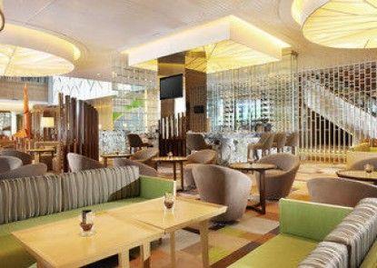 Holiday Inn Jakarta Kemayoran Teras