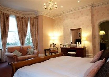 Hollin Hall Country House Hotel Teras